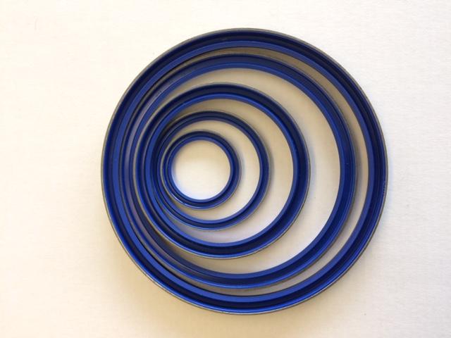 Polyurethan-Schmutzabstreifer mit Metallgehäuse